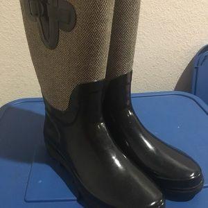 Austin rain boots